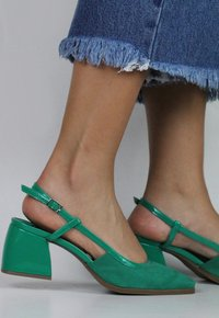 DAPHNE shoes - verde (vegan)
