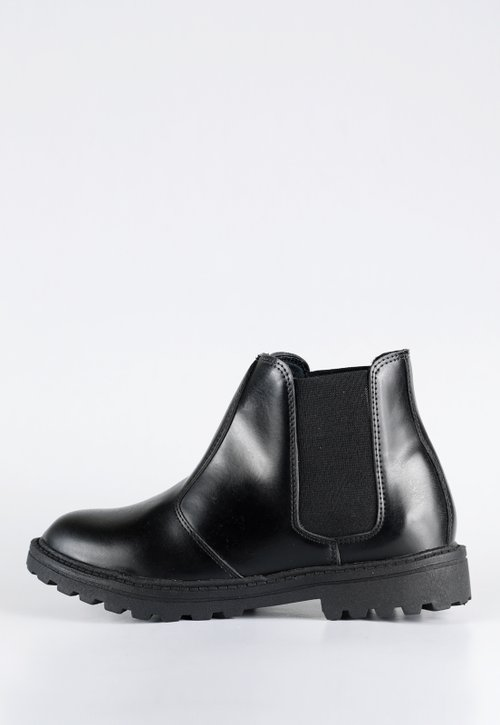 Chelsea boots - all black (vegan)
