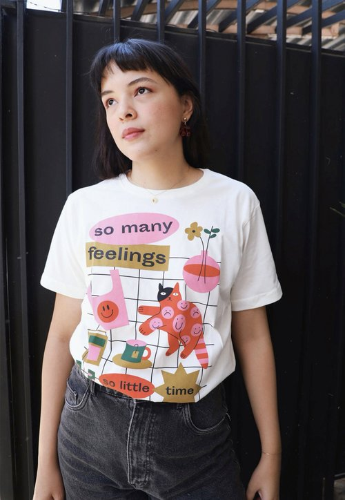 SO MANY FEELINGS  t-shirt - off white (unissex)