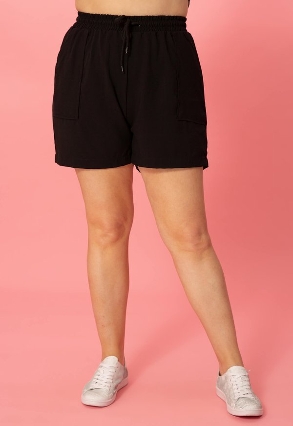 Foto do produto SHORT VISCOSE GABI PRETO